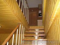 Подробнее: Лестница в двухуровневой квартире